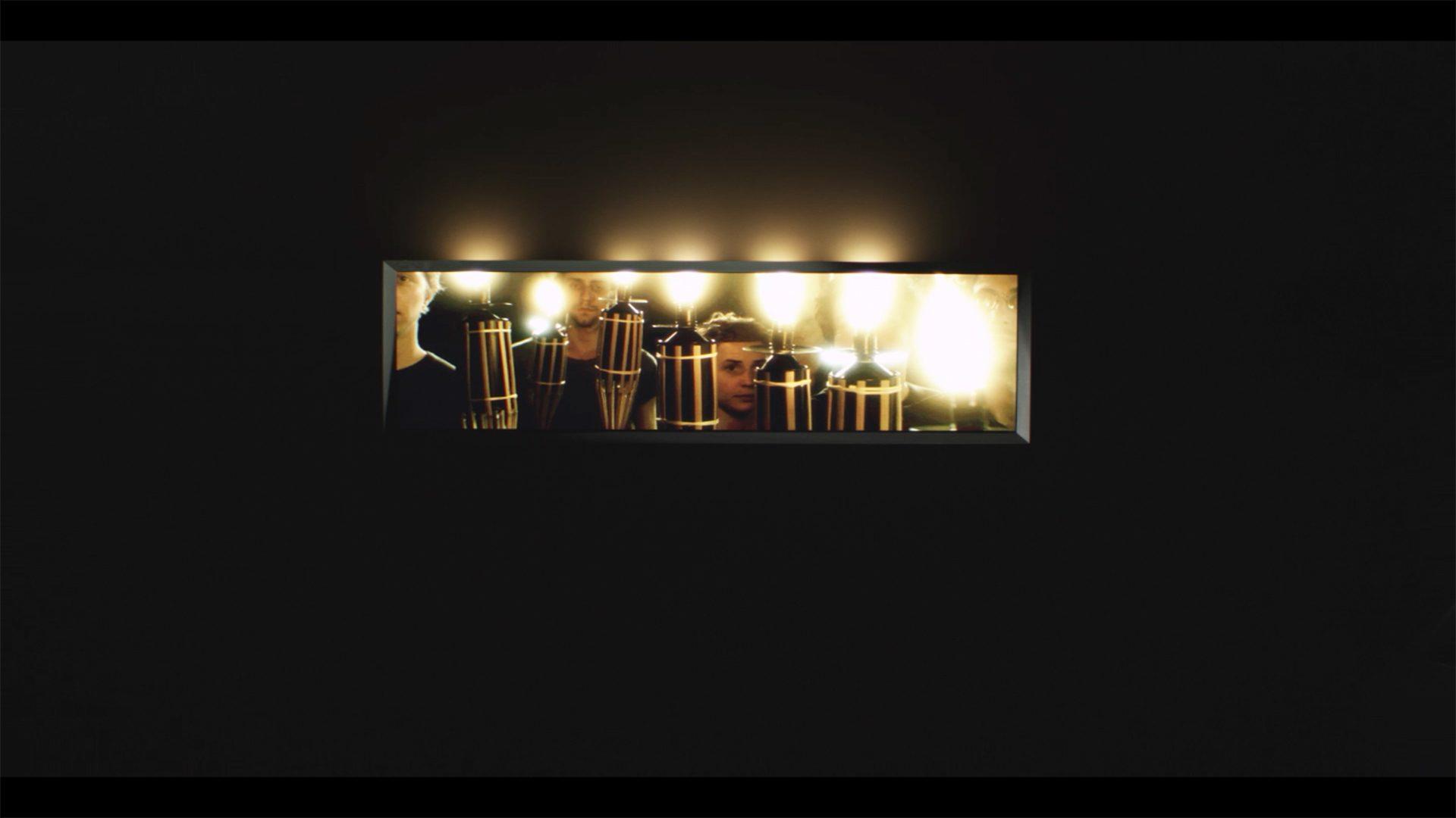 L'image éclaire - Écran flambeaux - Exposition Panorama 17, Le Fresnoy - 2015 / Credits : RF Studio